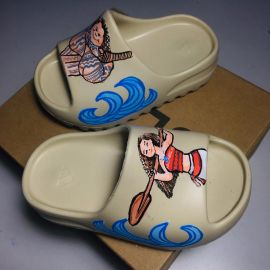 Yezzy slide |kids |customised |Moana & Maui